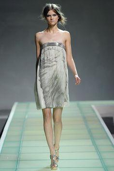 Alberta Ferretti Spring 2008 Ready-to-Wear Fashion Show - Kasia Struss