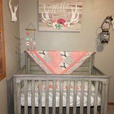 Baby Nursery rustic nursery rustic Baby Nursery r Baby Bedroom, Nursery Room, Girls Bedroom, Girl Rooms, Bedroom Themes, Baby Girl Nursery Bedding, Deer Nursery, Boy Bedding, Bedroom Ideas