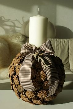 16 Beautiful Pine Cone Crafts To Make Stunning Home Decor ! Beautiful And Creative Ideas With Pinecones ! Christmas Candles, Rustic Christmas, Christmas Time, Christmas Wreaths, Christmas Decorations, Christmas Ornaments, Primitive Christmas, Christmas Christmas, Pine Cone Art