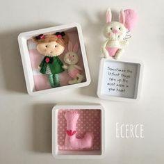 Lina'nın üçlü panosu #keçe #felt #feltro #fieltro #pano #bebekpanosu #frame #babyframe #ecerce #tasarim #babyroom #babyroomdecor #elyapimi #handmade #hediye #babyshower #bebekodasi #dogumhediyesi #hosgeldinbebek #bebekhediyesi #baby #craft #feltcraft #nursery #nurserydecor #babygirl