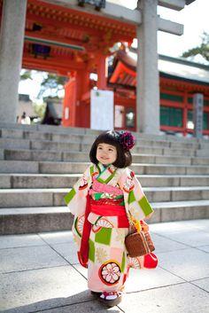 Little Japanese girl in kimono