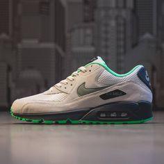 Nike Air Max 90 Essential - Order Online at Sneakersnstuff