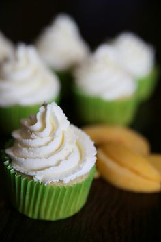 Peaches & Cream Cupcakes from BurghBaby - yum!
