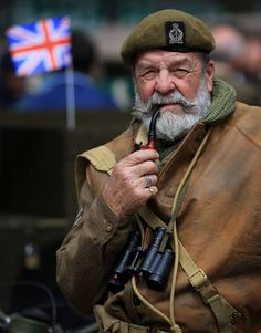 Commemorations of Operation Dynamo 75 years on, in pictures English Gentleman, Gentleman Style, Concept Clothing, Tobacco Pipe Smoking, Men Smoking, Grey Beards, Pipes And Cigars, Beard Tattoo, Beard No Mustache