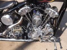 Learning to ride a bike is no big deal. Learning the best ways to keep your bike from breaking down can be just as simple. Harley Davidson Engines, Harley Davidson Sportster, Antique Motorcycles, Cars And Motorcycles, Custom Harleys, Custom Bikes, Sportster Motorcycle, Dyna Low Rider, Biker Quotes