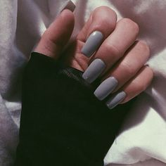 In seek out some nail designs and ideas for your nails? Listed here is our list of 22 must-try coffin acrylic nails for fashionable women. Grey Acrylic Nails, Gray Nails, Vernis Semi Permanent, Grunge Nails, Manicure E Pedicure, Nagel Gel, Super Nails, Gorgeous Nails, Nails On Fleek