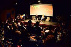|| Ciclo Páginas Anônimas || Flip.Zona Nomes da nova geração literária brasileira vêm das cidades de Aracaju, Manaus, Nova Iguaçu (RJ), Rio de Janeiro e Paraty para ampliar o diálogo com o público jovem no ciclo Páginas Anônimas, parte da FlipZona 2016. O exercício da crônica, a poesia e os olhares renovados sobre o gênero, o romance produzido além dos grandes centros urbanos são alguns dos temas que atravessam as três mesas do ciclo. Saiba mais sobre a programação deste ano!
