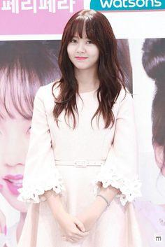 Kim So Hyun smartphone wallpaper HD Kim So Hyun Fashion, Korean Fashion, Korean Beauty, Asian Beauty, Korean Celebrities, Celebs, Kim Sohyun, Kim Yoo Jung, Ulzzang Korean Girl