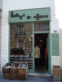 Tombées du Camion | Paris. Cajas expositoras de producto.