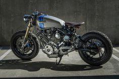 美しいXV750 ViragoのVツインエンジンが主張するカフェカスタム - LAWRENCE(ロレンス) - Motorcycle x Cars + α = Your Life.