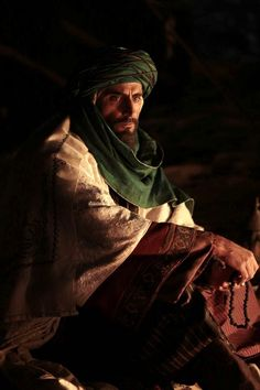 A classic sheikh image! Mark Strong in Black Gold