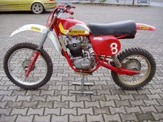 "Old school 4 stroke conversions and ""works"" bikes? - Old School Moto - Motocross Forums / Message Boards - Vital MX Motorcycle Dirt Bike, Motocross Bikes, Vintage Motocross, Racing Motorcycles, Dirt Biking, Vintage Bikes, Vintage Motorcycles, Off Road Moto, Bike Magazine"