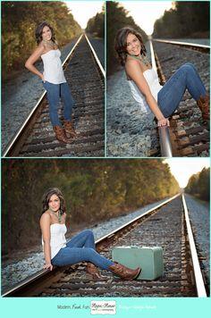 Ideas training photography girl for 2019 Senior Portrait Poses, Senior Portrait Photography, Senior Photos Girls, Senior Pics, Grad Pics, Teen Photography, Outdoor Photography, Railroad Track Photography, Girl Train