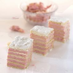 Eastern European Layer Cake with Strawberry Cream Filling (Pink Layer Cake) Strawberry Cakes, Strawberry Recipes, Bakery Recipes, Dessert Recipes, Dessert Ideas, Just Desserts, Delicious Desserts, Serbian Recipes, Serbian Food