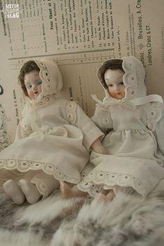 Brocante porcelain dolls / Brocante porseleinen poppetjes - https://www.facebook.com/metdefranseslag