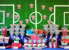 Barcelona Party Decorations! If only I was a lil girl again! This would be my party theme!