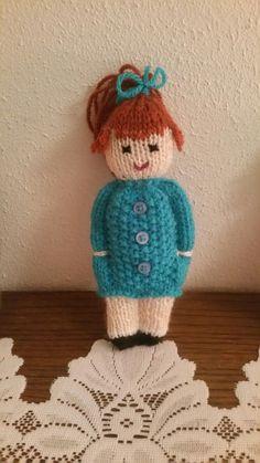 Baby Knitting Patterns Animals Cute lil knitted teddy bear in a sweater. Animal comfort dolls pattern by p k olson – Artofit Netter lil gestrickter Teddybär in einer Strickjacke. Knitted Doll Patterns, Kids Knitting Patterns, Loom Knitting Projects, Knitted Dolls, Crochet Patterns Amigurumi, Knitting Stitches, Crochet Dolls, Baby Knitting, Knitting Machine
