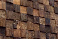 Woodwall, revestimento de madeira 100% ecológico. Woodwall é a coleção da EURO Revestimentos que reproduz o efeito quadrado de mosaico em madeira e em tiras com a madeira 100% reciclada. Nenhuma árvore derrubada para a produção e processamento ocorrendo com a mão. Woodwall é não-tóxico e seguro, isolamento térmico e de ruído, adequados para qualquer ambiente interno, um forte impacto estético e valor. #handmade #eurorevestimentos #revestimentosespeciais