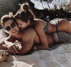Funny Couple Goals Pictures Ideas For 2019 Cuddle With Boyfriend, Perfect Boyfriend, Photos Bff, Cute Couples Photos, Funny Photos, Funny Beach Pictures, Vacation Pictures, Cute Photos, Senior Photos