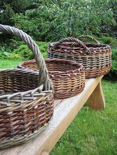 Traditional baskets in willow and hedgerow. Flax Weaving, Willow Weaving, Weaving Art, Basket Willow, Rope Basket, Basket Weaving, Traditional Baskets, Basket Crafts, Vintage Baskets