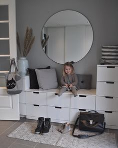 [New] The Best Home Decor (with Pictures) These are the 10 best home decor today. According to home decor experts, the 10 all-time best home decor. Flur Design, Hall Design, Ikea Interior, Decor Interior Design, Furniture Inspiration, Room Inspiration, Home Room Design, House Design, Narrow Hallway Decorating