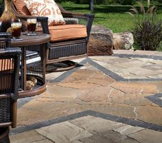 Your patio should be uniquely yours and it can be with Belgard. Ask your local dealer or contractor about style and color options in your region. To locate one near you, visit www.belgard.com/locator.