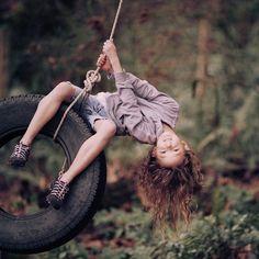 So cute. Love the tire swing Beautiful Children, Beautiful People, Cute Kids, Cute Babies, Children Photography, Swing Photography, Inspiring Photography, Toys Photography, Commercial Photography