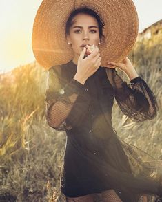 Lifestyle Photography, Editorial Photography, Portrait Photography, Fashion Photography, Fashion Poses, Fashion Shoot, Editorial Fashion, Portrait Inspiration, Photoshoot Inspiration