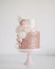 Sparkly Wedding Cakes, Bling Wedding, Cake Wedding, Rosegold Wedding Cake, Wedding Cakes With Roses, Wedding Makeup, Blush Pink Wedding Cake, Sparkly Cake, Wedding Flowers