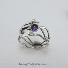 Original Artwork: Asymmetrical Kelp Ring by Meg Auth  #jewellery #ring #newzealand #finearts #kelpring #thelittlegallery