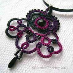 """Belle"" pendant tatting"