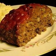 Pressure Cooker Meatloaf- Sub out bread crumbs with almond flour (half amount) and use reduced sugar ketchup or LC BBQ sauce. Meatloaf in about 30 minutes? This meatloaf recipe has great flavors and cooks quickly in the pressure cooker. Power Cooker Recipes, Pressure Cooking Recipes, Tupperware Pressure Cooker Recipes, Tupperware Recipes, Power Pressure Cooker, Instant Pot Pressure Cooker, Pressure Pot, Key Food, Gastronomia