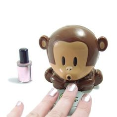 Tired of waiting for your nails to dry??? This is the solution! And it's cute ^^
