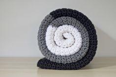 Chunky Crochet Blanket - so easy! All single crochet.
