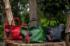 Nossa bolsa Esmeralda nas três cores da coleção Turquia. Acesse: www.dervishbags.com.br