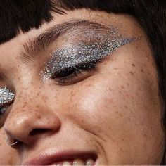 Here is a look at upcoming makeup trends that everyone will be wearing this fall. From natural to bold makeup there's something for everyone Makeup Trends, Makeup Inspo, Makeup Art, Makeup Inspiration, Makeup Tips, Face Makeup, Makeup Ideas, Deer Makeup, Clown Makeup