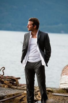 """Bradley Cooper on the beach in an unbuttoned three-piece suit in """"A-Team."""" ©2014 FOX All Rights Reserved"""