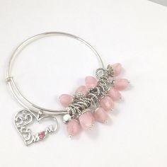 PRETTY IN PINK MOM CHARM BRACELET Sweet pink bead charms with MOM hear charm. Handmade NWOT Jewelry Bracelets