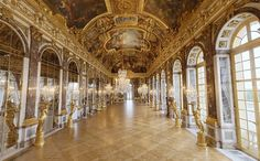 The Hall of Mirrors (Galerie des glaces Chateau Versailles) Versailles Garden, Palace Of Versailles, Places To Travel, Places To See, Places Ive Been, Versailles Hall Of Mirrors, Mirror Room, Famous Gardens, Famous Castles