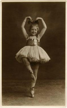 Vintage Ballerina Child Photo- Adorable! - The Graphics Fairy
