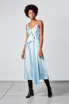 f4956eef816 Ermanno Scervino Resort 2019 Fashion Show