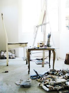 a studio with lots of light. I need an office with lots of natural light too  http://www.amazon.com/The-Reverse-Commute-ebook/dp/B009V544VQ/ref=tmm_kin_title_0