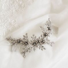 The Clara bridal headpiece is the embodiment of timeless glamour with a dreamy and sophisticated appeal.