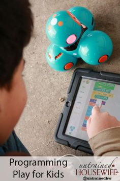 Programming robotics with iPad & Dash Robot for kids' play & STEM learning (via untrained housewife)