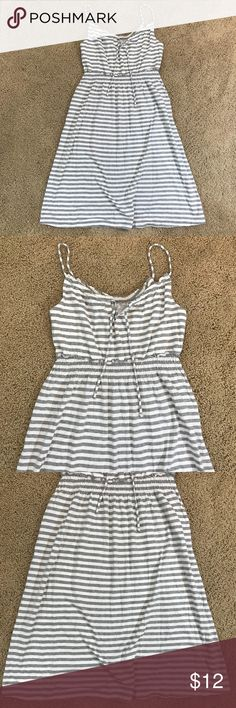 """Old Navy Gray Striped Sun Dress Cover up M Old Navy Gray White Striped Sun Dress Swimsuit Coverup Size M L2 chest: 31"""" length: 37"""" 60% cotton 40% modal Great condition Old Navy Dresses"""
