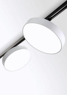 Bilderesultat for delta light retail lighting hanging tracks Delta Light, Interior Lighting, Home Lighting, Modern Lighting, Lighting Ideas, Led Light Design, Lighting Design, Blitz Design, Ceiling Lamp