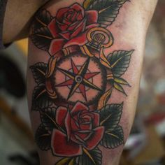 Best Compass Tattoo Designs and Ideas - Compass Tattoo Meanings - Buy lehenga choli online Simple Compass Tattoo, Compass Tattoo Meaning, Compass Tattoo Design, Tattoos With Meaning, Tattoo Meanings, Flower Tattoo Arm, Flower Tattoo Shoulder, Tattoo Studio, Traditional Compass Tattoo