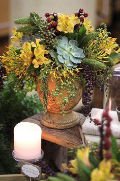 Decoração com plantas exóticas para um aniversário masculino