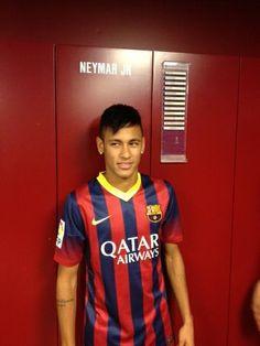 Neymar with Barca jersey - Soccer Neymar Jr, Love You Babe, My Love, Brazilian Soccer Players, Soccer Stars, Play Soccer, Ex Husbands, Best Player, Lawn