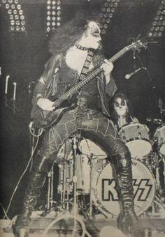 Super early Kiss- 1973?
